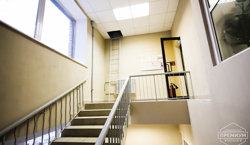 Ремонт лестничной клетки в офисном здании по ул. Шаумяна 1