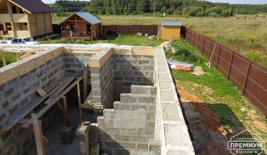 Строительство коттеджа из бризолита в Горном щите 14