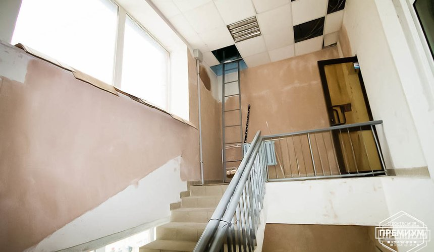 Ремонт лестничной клетки в офисном здании по ул. Шаумяна 16
