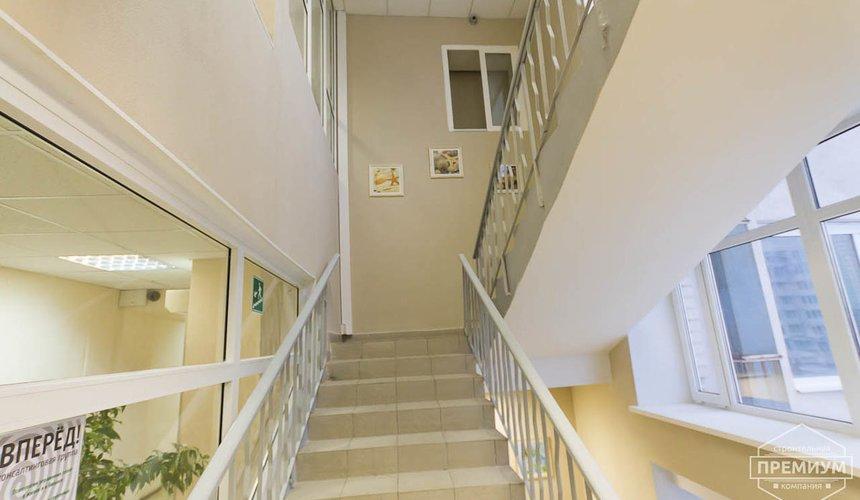 Ремонт лестничной клетки в офисном здании по ул. Шаумяна 4